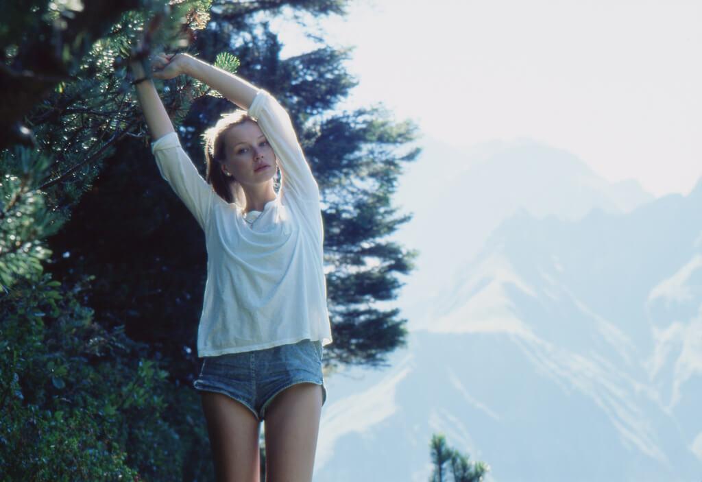 20代の女性の抜け毛の原因とその改善法について