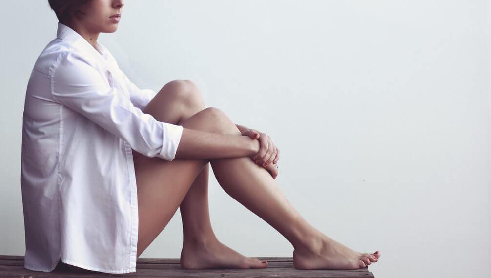 ある日から突然抜け毛が増えたら病気の可能性も!原因と対策法